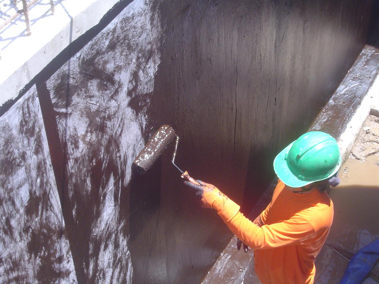 water tank leakage treatment
